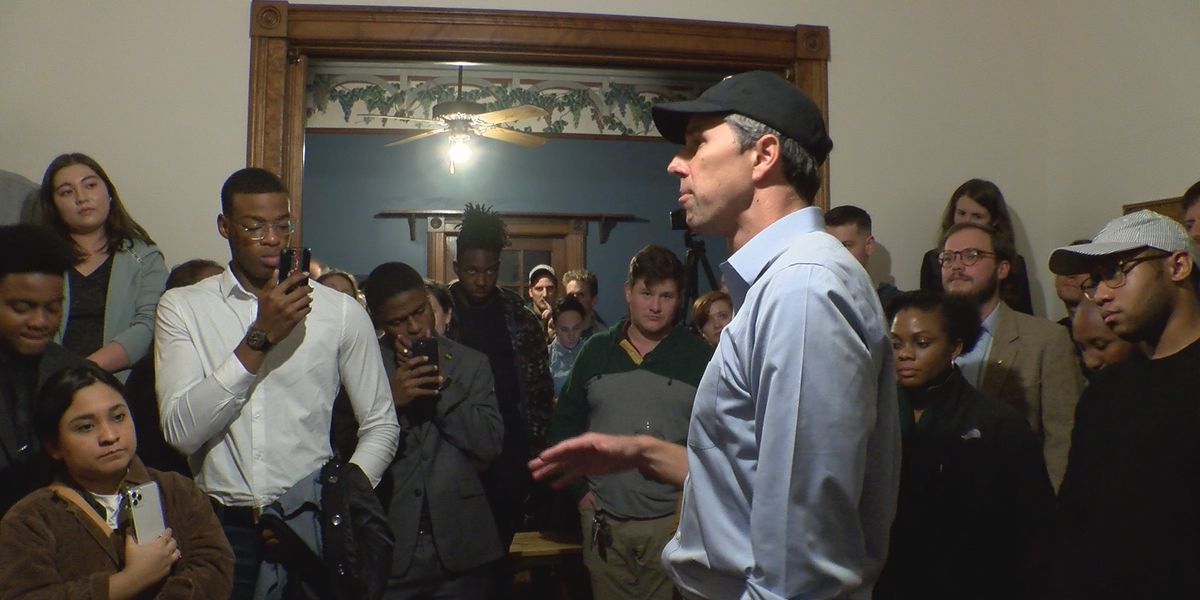 Beto O'Rourke meets voters in Montgomery