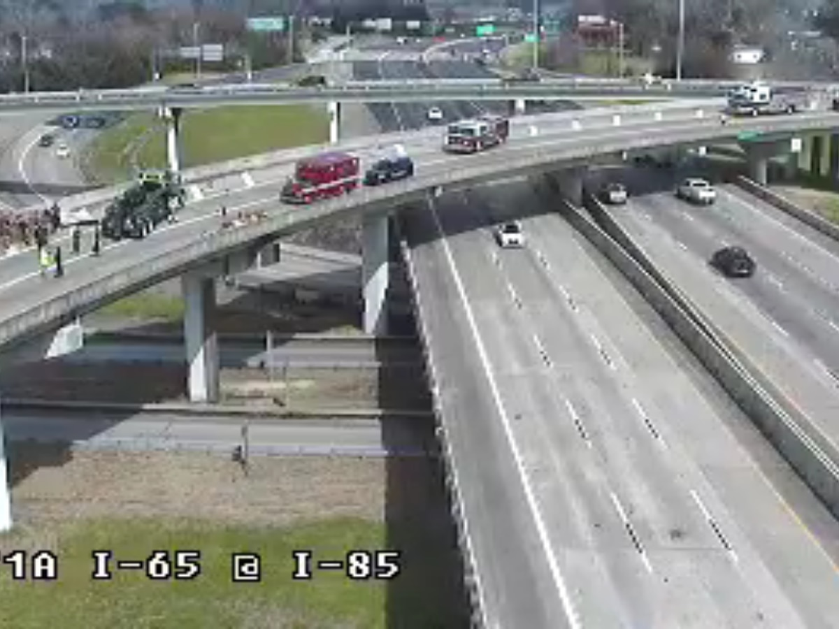 Crash closes I-85 SB ramp to I-65 in Montgomery