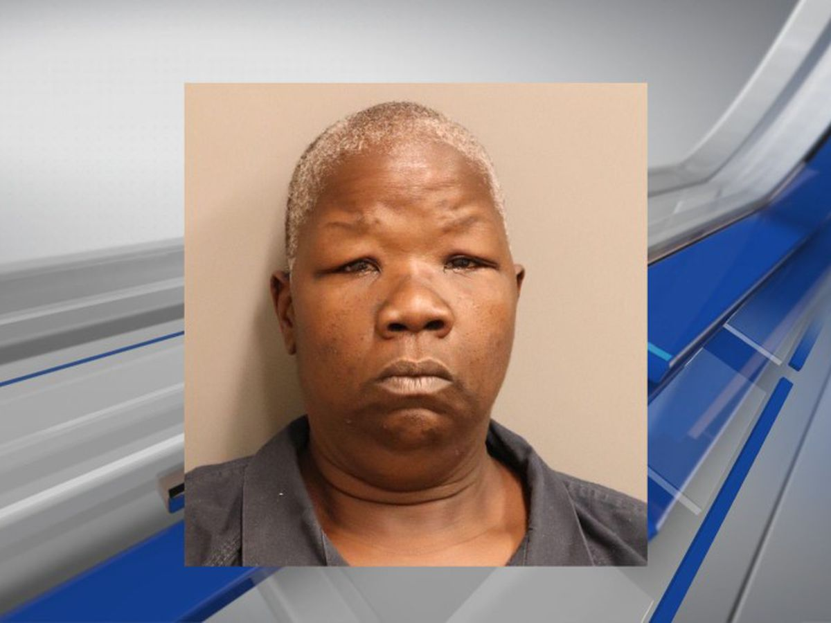 Woman charged with arson after Montgomery apartment fire