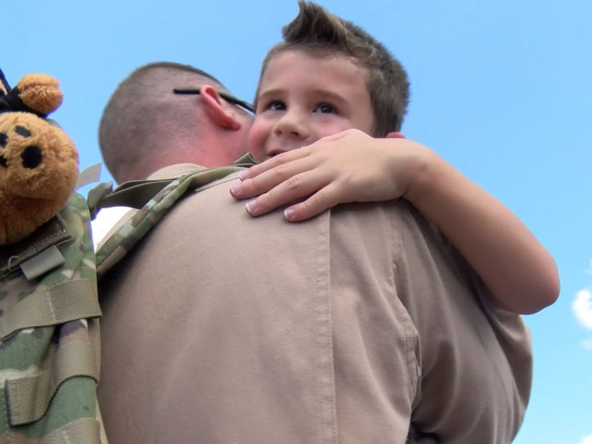 908th Airlift Wing members return home from deployment