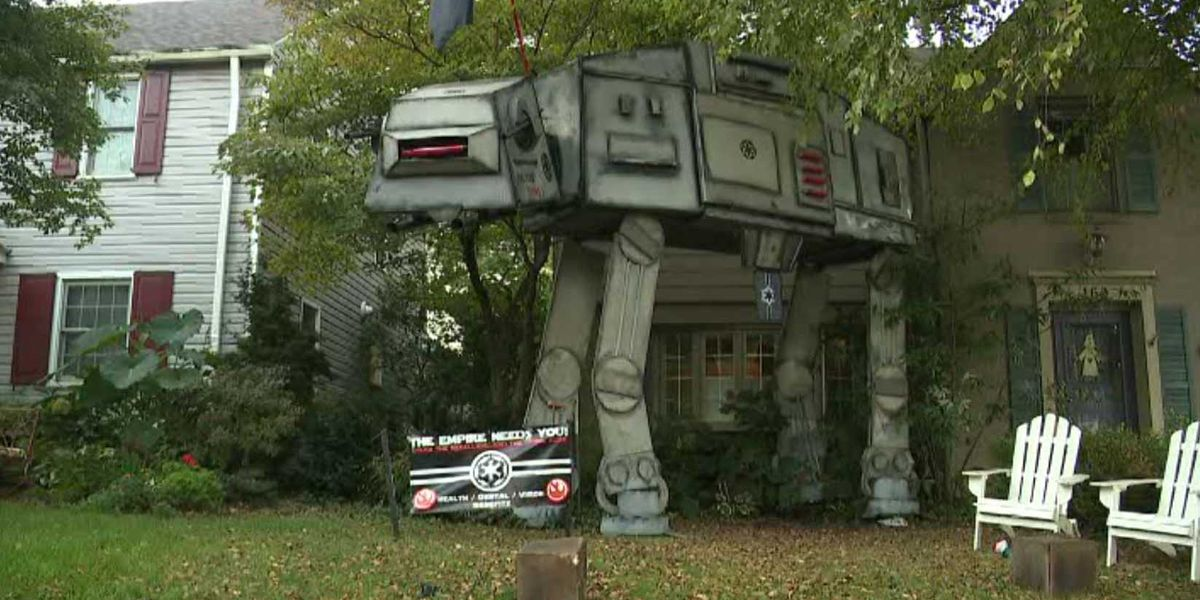 Family puts huge 'Star Wars' Halloween display in front yard