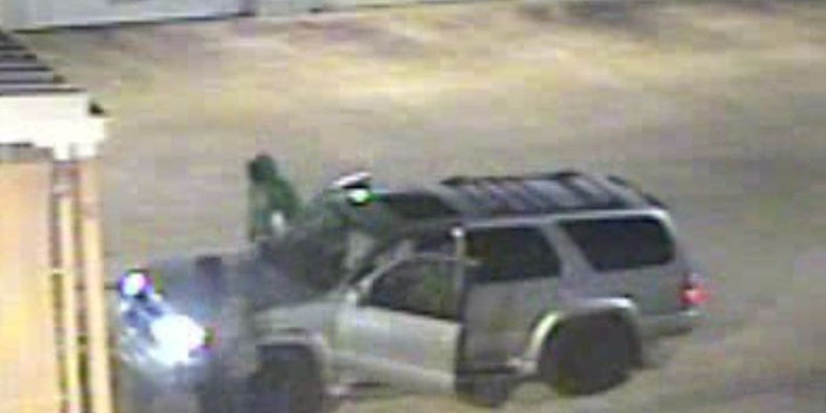 2 suspects wanted for stealing batteries from multiple AL stores