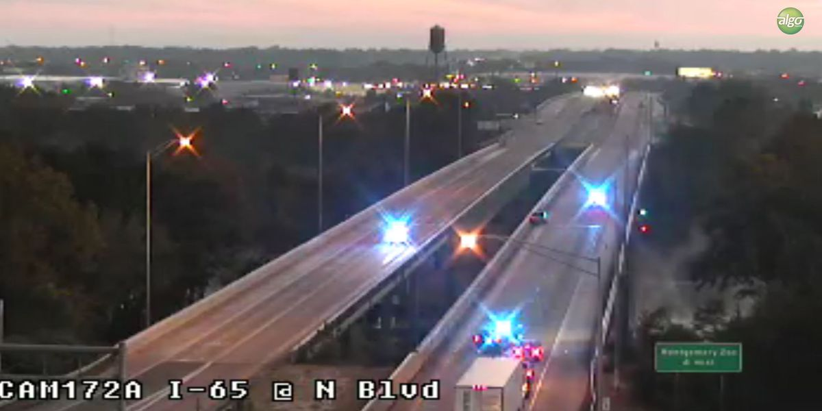 Traffic delayed while crews sand icy overpasses on I-65, N. Blvd.