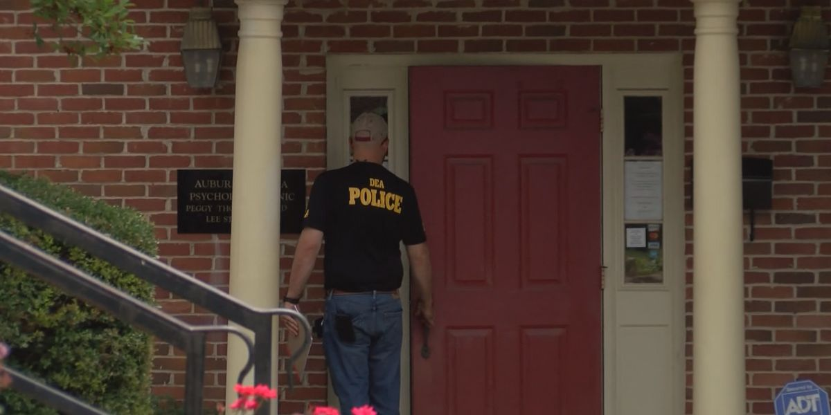 Opelika doctor indicted on federal drug distribution counts