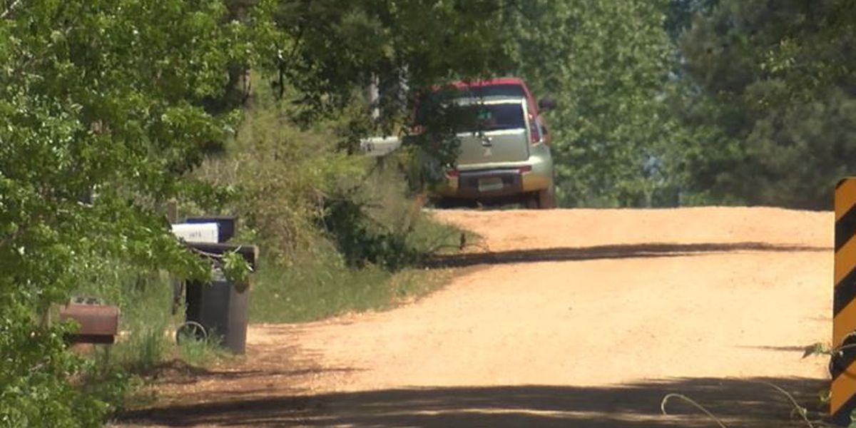 Investigators searching for killer in Holtville homicide