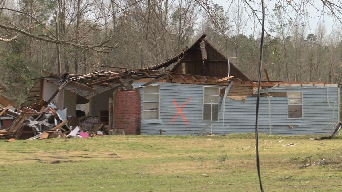 Possible tornado causes damage across Elmore County