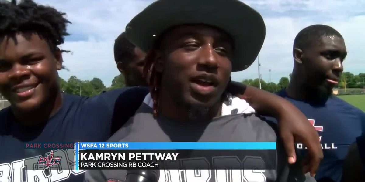 Kam Pettway balances coaching, playing football