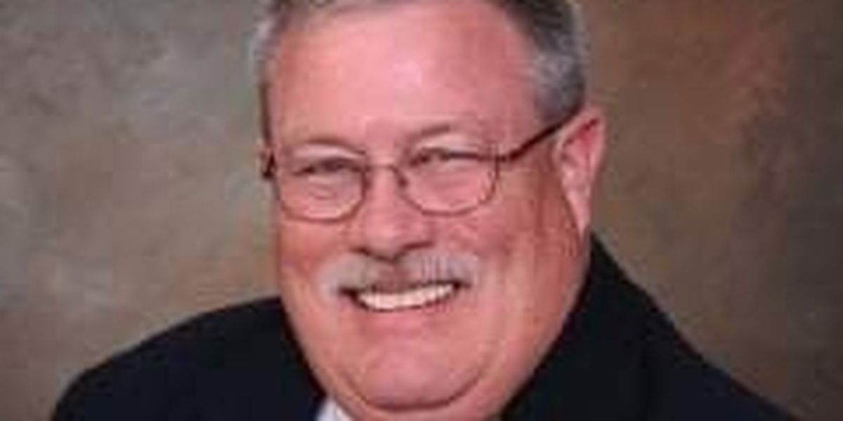 Lee County commissioner dies after battle with COVID-19