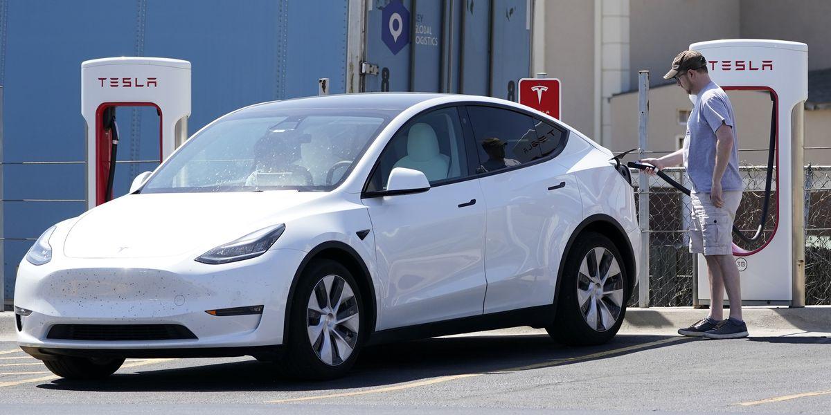 Scrutiny of Tesla crash a sign that regulation may be coming