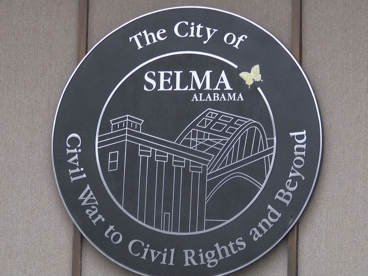 Selma city treasurer files lawsuit against mayor, city council