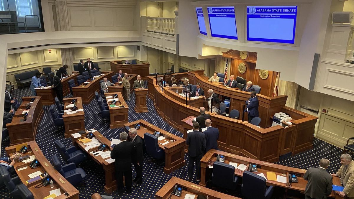 Curbside voting ban faces scrutiny from Alabama Senate Democrats