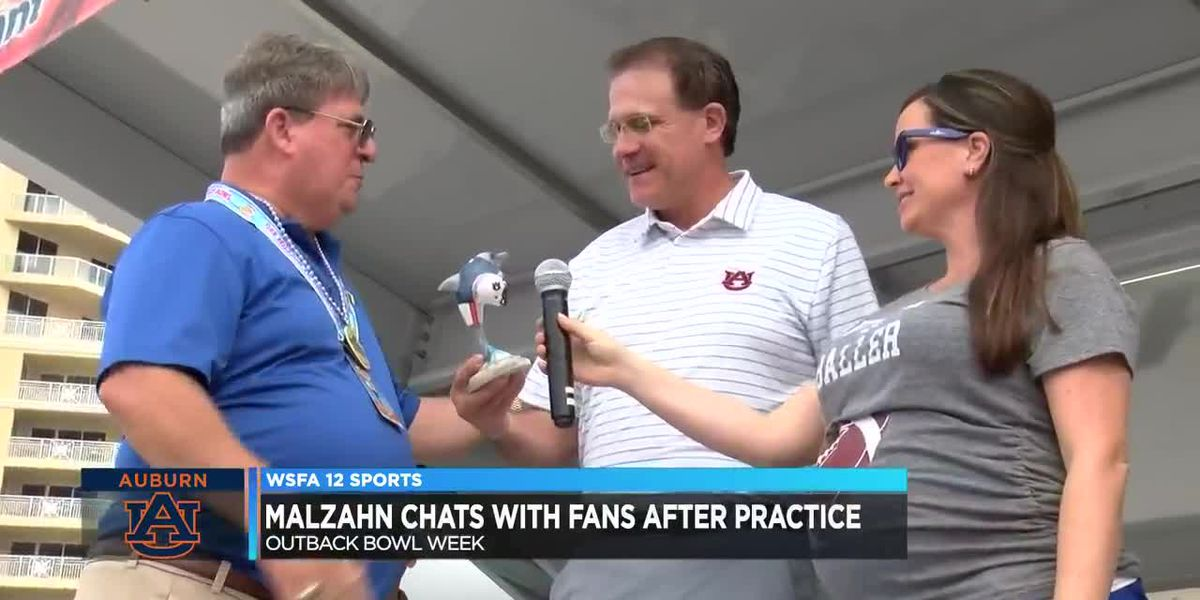 Malzahn chats with fans after practice