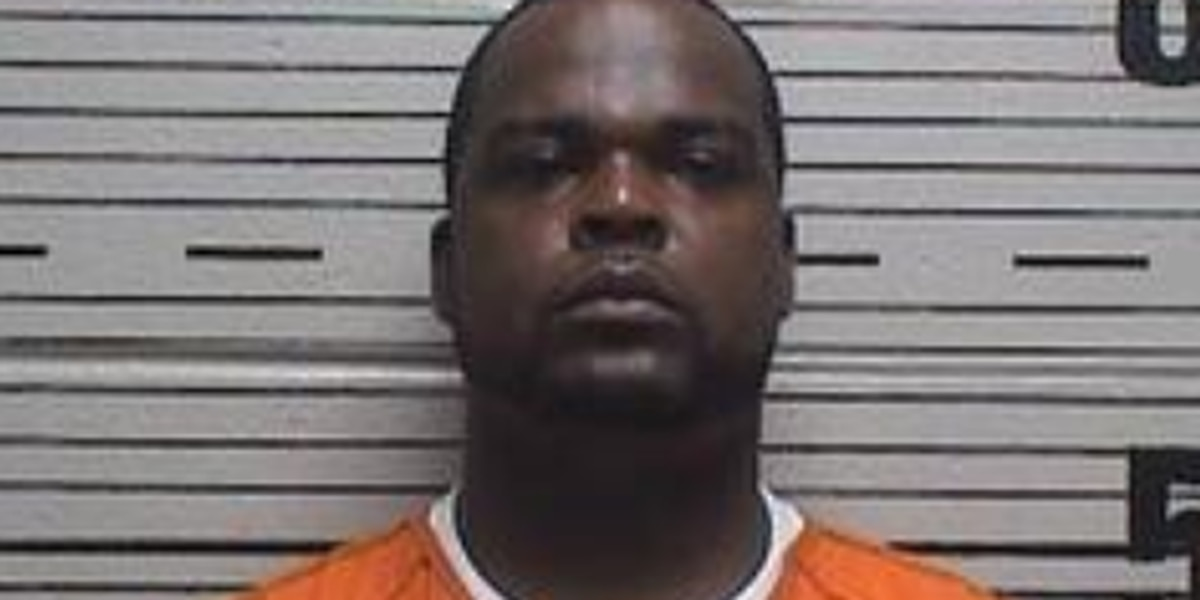 Prattville man charged with animal cruelty, dog fighting