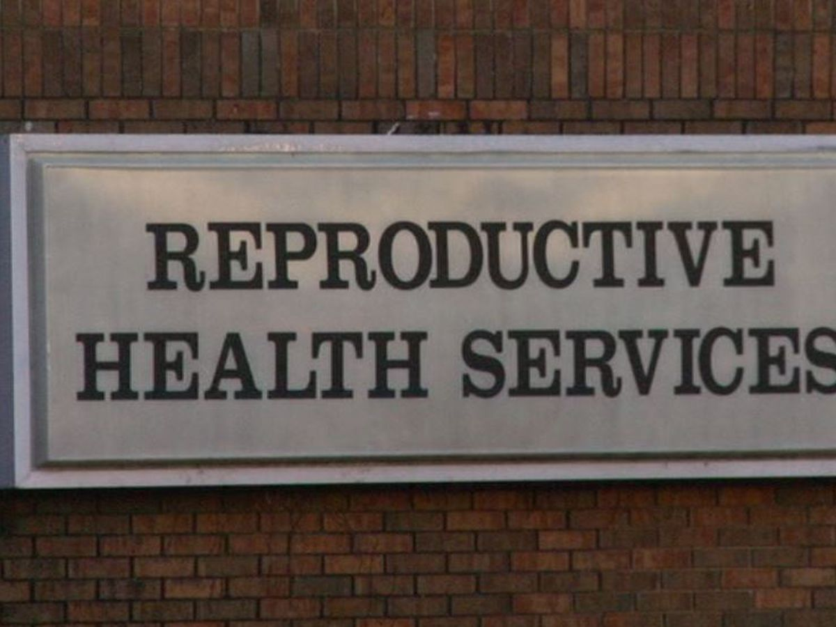 Federal judge blocks Alabama's tough abortion law