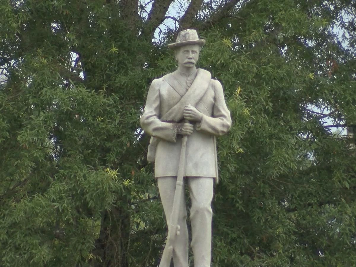 Proposal in Alabama to up protection for Confederate statues