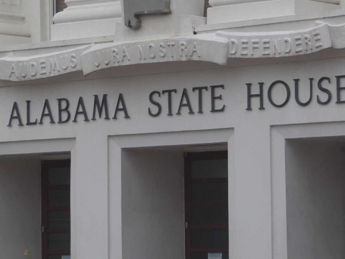 Alabama House 'divided' over bill to ban treatments for transgender minors