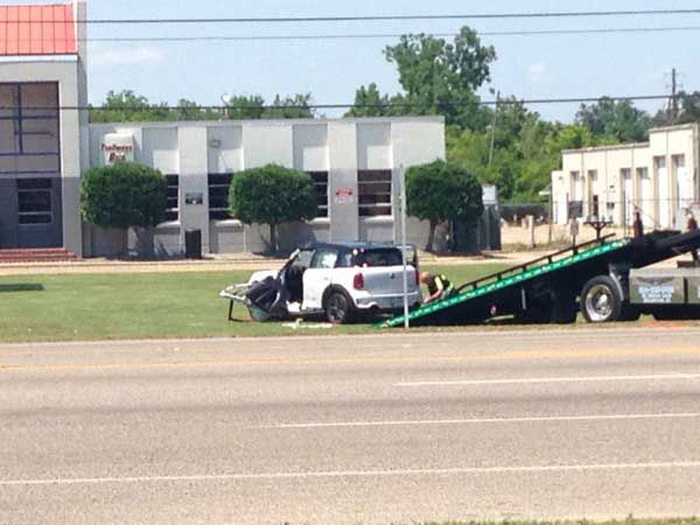 Traffic accident on West South Blvd leaves one dead