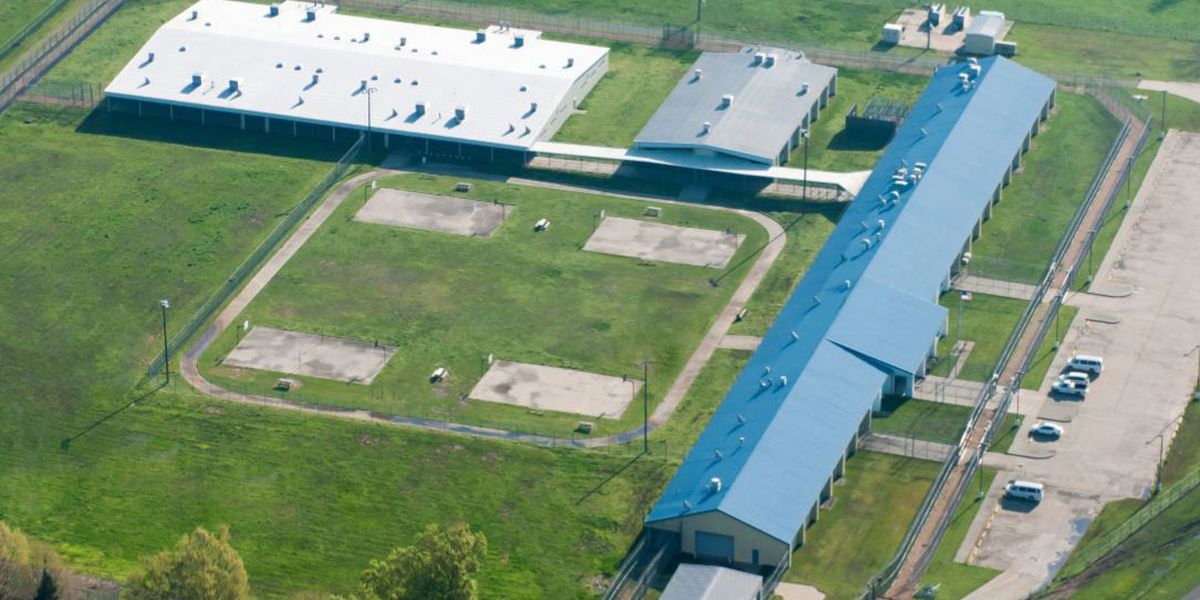 Vacant private prison eyed after Holman inmates relocated
