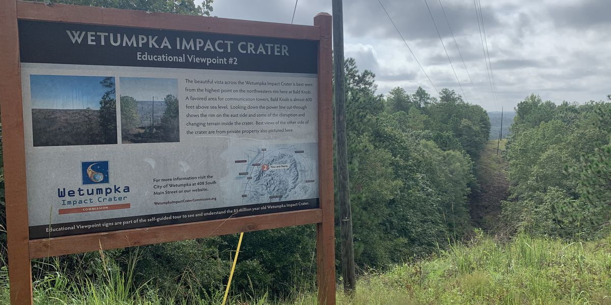 Hiking with Hailey: Wetumpka Impact Crater